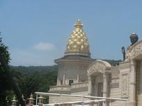 梵宫侧面的佛塔