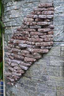 墙壁上石头排列而成的菱形