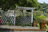 云台花园栅栏及绿植