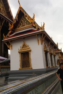 装饰华丽的寺庙