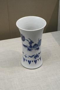 青花故事纹花瓶