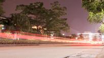 夜晚下的公路