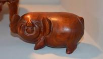 可爱木雕金猪