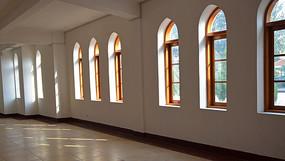 一排拱顶窗口背景素材