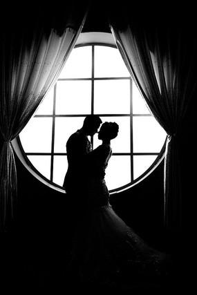 婚纱黑白剪影