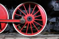 红色的火车传动车轮