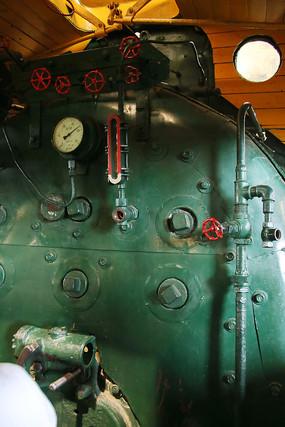 火车驾驶室内部结构