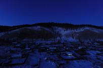 山林人家雪夜