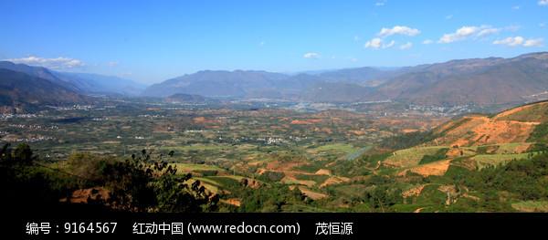 鸟瞰潞江坝风光图片