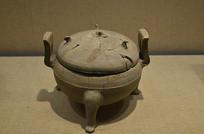 西汉原始瓷盖鼎