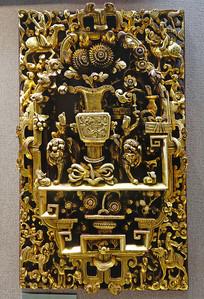 通雕仙人花卉博古纹神龛门肚