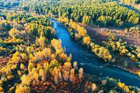林海河流秋色