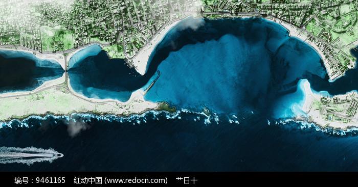 俯瞰深蓝海边城市图片