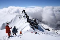 四姑娘山二峰的登山者