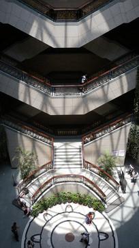 上海博物馆楼梯俯瞰