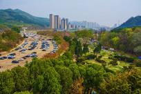 龙王塘樱花园停车场与建筑俯视