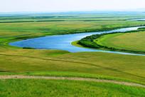 草原蓝色河湾