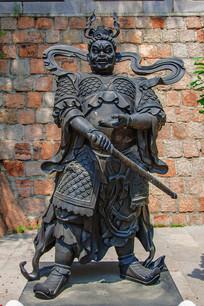 龙泉寺(狗)招杜罗大将雕像