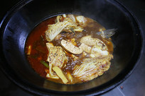 农家菜豆腐炖鱼