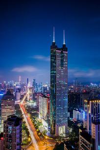 灯火通明的城市夜景