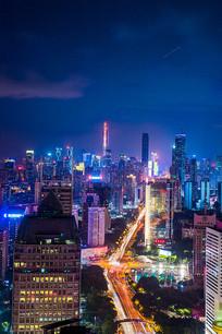 繁忙的都市车流涌动夜景