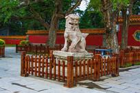 清福陵正红门广场母石狮斜侧