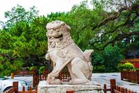 沈阳清福陵正红门母石狮左侧