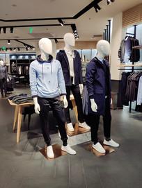 服装店面橱窗模特展台设计