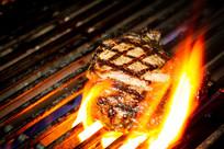 美味的碳烤牛排