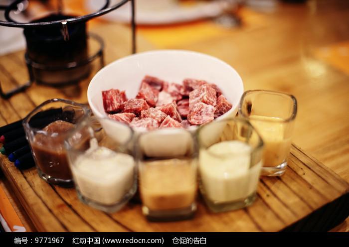 牛肉丁图片