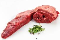 生牛肉与香料