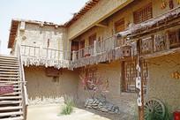 西部影视城村寨传统土楼