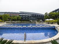酒店后花园游泳池摄影