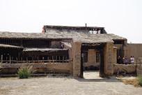 西部村寨土房院落