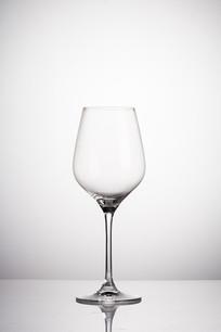 精致的大号葡萄酒杯