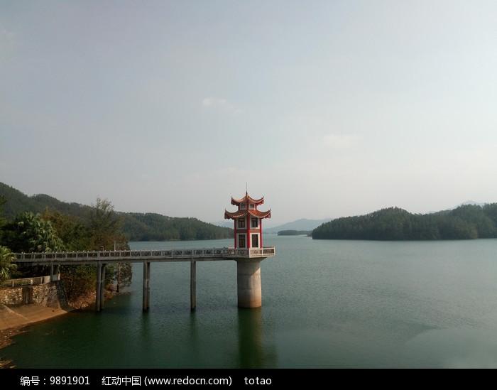 大隆洞水库湖泊图片