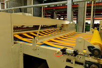 网购纸板箱生产流水线
