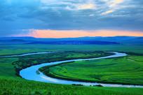 呼伦贝尔草原河流暮色