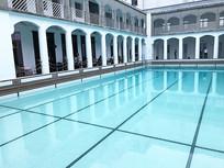 海军俱乐部游泳池