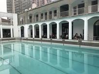 老建筑游泳池