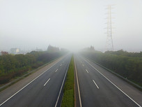 高速路大雾