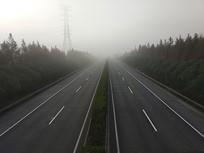 高速路雾天