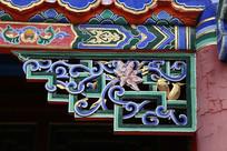 花鸟图案彩色木雕