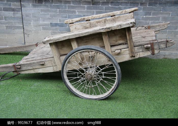 老物件木板车图片