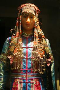 蒙古族民族服饰
