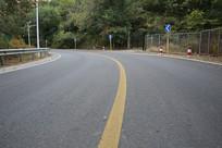 山区柏油马路