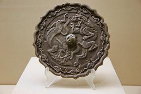 辽代双兽纹葵花镜铜镜