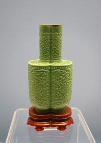 清代绿釉堆花花卉纹双联瓶