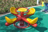 儿童乐园的弹簧转椅