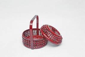 传统手工艺带盖提篮子
